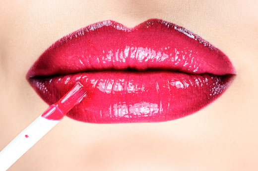 5 Chemicals Lurking In Your Makeup